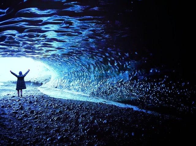 Кристальная пещера Исландии
