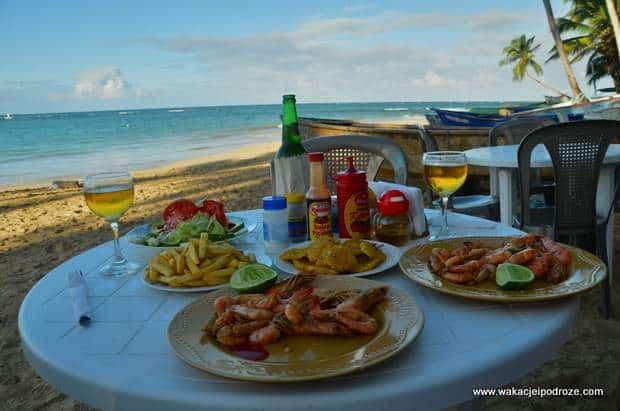 Обед на берегу