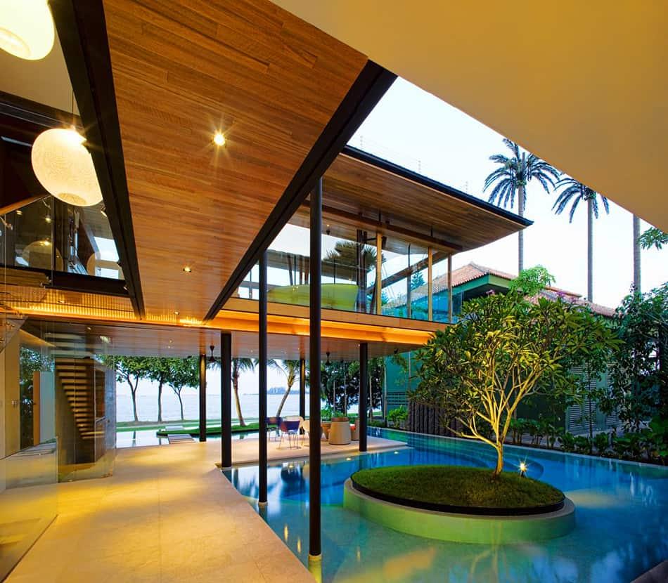 Fish House внутри