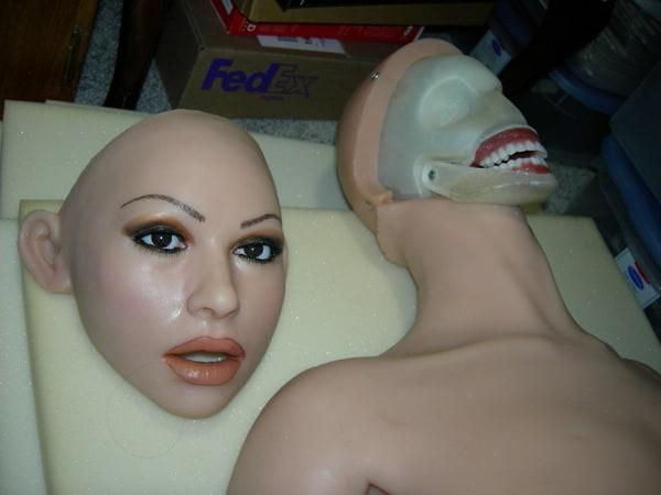 Съемное лицо куклы